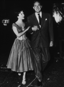 Elizabeth Taylor with second husband Michael WildingC. 1953**R.C.MPTV - Image 0712_0100