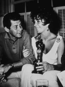 Elizabeth Taylor with Eddie Fisher and her 1961 Academy Award**R.C.MPTV - Image 0712_0107