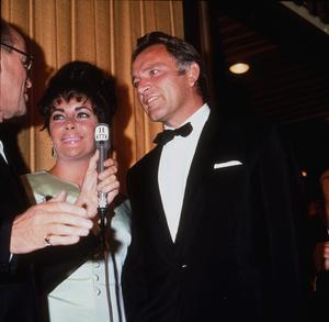 Elizabeth Taylor and Richard BurtonC. 1964 © 1978 Bernie AbramsonMPTV - Image 0712_0214