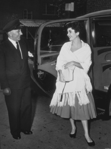 Elizabeth Taylor1952MPTV - Image 0712_2139