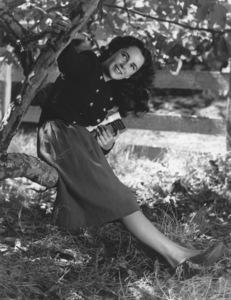"Elizabeth Taylor in ""Lassie Come Home""1943 © 1978 John EngsteadMPTV - Image 0712_2140"