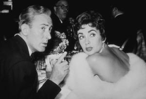Elizabeth Taylor and Michael WildingC. 1952MPTV - Image 0712_2173
