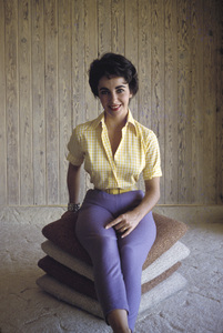 Elizabeth Taylor at her Beverly Hills homecirca 1956© 1978 Sanford Roth / A.M.P.A.S. - Image 0712_2262