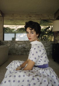 Elizabeth Taylor at her Beverly Hills homecirca 1956© 1978 Sanford Roth / A.M.P.A.S. - Image 0712_2265