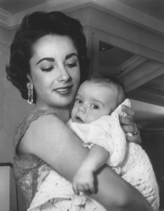 Elizabeth Taylor and son Michael Howard Wilding Jr.C. 1953 © 1978 Bud FrakerMPTV - Image 0712_2286