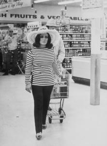 Elizabeth TaylorC. 1965MPTV - Image 0712_5012