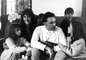 Liza(daughter),Elizabeth Taylor, Michael Wilding Jr.,Richard Burton, Chris Wilding, and Kate BurtonC.1965 © Bob Willoughby - Image 0712_5061