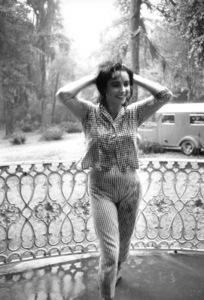 "Elizabeth TaylorOn Location for ""Raintree County""Danville,KY 1956 © 1978 Bob Willoughby - Image 0712_5067"
