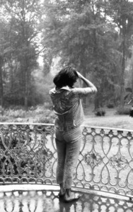 "Elizabeth TaylorOn Location for ""Raintree County""Danville,KY 1956 © 1978 Bob Willoughby - Image 0712_5070"