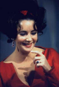 Elizabeth Taylor on an NBC television show1965 © 1978 Bob Willoughby  - Image 0712_5151