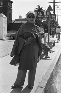 Elizabeth Taylor in Malibu1976 © 1978 Ulvis Alberts - Image 0712_5226