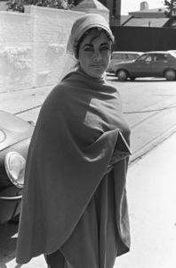 Elizabeth Taylor in Malibu1976 © 1978 Ulvis Alberts - Image 0712_5227