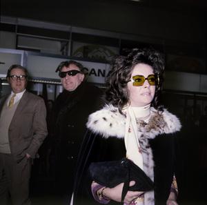 Richard Burton and Elizabeth Taylorcirca 1960s© 1978 Roy Cummings - Image 0712_5327