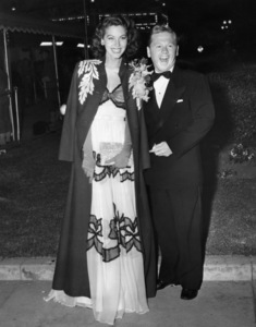 """Ava Gardner and Mickey Rooney attending the """"Mrs. Miniver"""" premiere at the Carthay Circle Theatre 1942** I.V. - Image 0713_0607"""