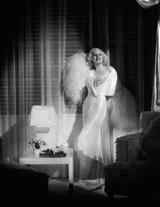 """Jean Harlow in """"Dinner at Eight""""1933 MGM** I.V. - Image 0716_1195"""