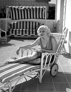Jean Harlow at home1933Photo by Clarence Sinclair Bull** I.V. - Image 0716_1201