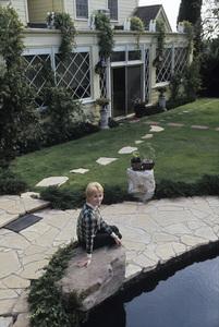 Shirley Jones at home1973© 1978 Gene Trindl - Image 0717_0078