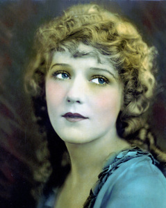Mary Pickford, 1919.Photo by Evans / **I.V. - Image 0718_1138