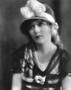 Mary Pickford1919Photo by Hoover**I.V. - Image 0718_1143