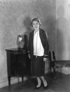Mary Pickfordat Pickfair1924**I.V. - Image 0718_1145