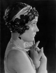 Gloria SwansonParamount, c. 1919**I.V. - Image 0723_0045