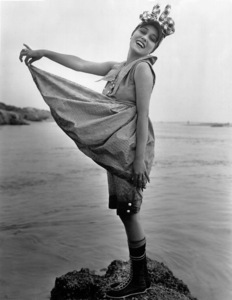 Gloria Swanson, bathing.1917 Mack Sennet StudiosPhoto by Evans / **I.V. - Image 0723_0046