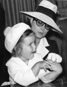 Grace Kelly with daughter Princess Stephanie, 1968. - Image 0724_0251