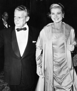 Grace Kelly nominated Best Actress Award is escorted by  Don Hartman for the Academy Awards, 1955.**I.V. - Image 0724_0291