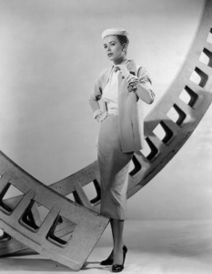 Grace Kelly in a dress designed by Edith Head, 1954.**I.V. - Image 0724_0343