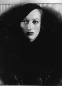 Joan CrawfordFilm Set/MGMLetty Lynton (1932)Photo by George Hurrell0023132 - Image 0728_0300