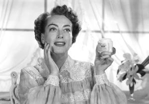 Joan Crawford in a Woodbury Cold Cream advertisementcirca 1950 © 1978 Paul Hesse - Image 0728_0314