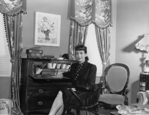 Joan Crawfordat home in Los AngelesC. 1945 - Image 0728_0908