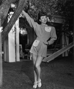 Joan Crawfordat home in Los AngelesC. 1945 - Image 0728_2025