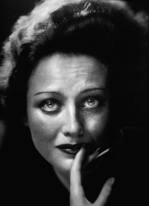 Joan Crawford1933Photo by George Hurrell - Image 0728_2171