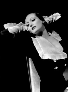 Joan CrawfordFilm Set/MGMGrand Hotel (1932)Photo by George Hurrell0022958 - Image 0728_8287