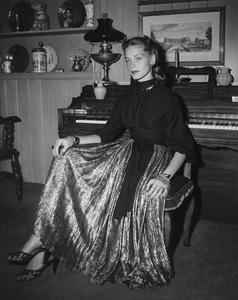 Lauren BacallC. 1947 - Image 0730_0082