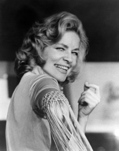 """Lauren Bacall in """"Applause"""" (stage version)1970 ** B.D.M. - Image 0730_0553"""