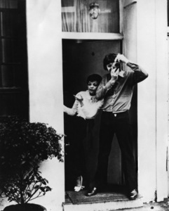 Judy Garland and Mickey Deans at 4 Cadogan Lane, where she died1969 - Image 0733_0013