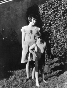Judy Garland with older sister c. 1926 - Image 0733_0030