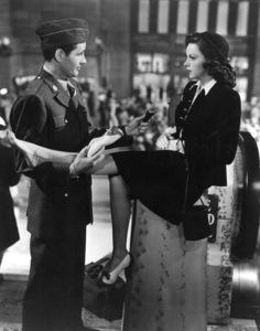 Robert Walker, Judy GarlandFilm SetClock, The (1945)0037604MGM - Image 0733_0219