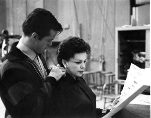 Robert Goulet, Judy GarlandRecording StudioGay Purr-ee (1962)Warber Bros. - Image 0733_2024
