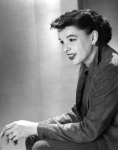 Judy GarlandStar Is Born, A (1954) - Image 0733_2032