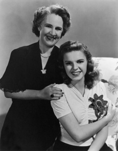 Judy Garland with mother Ethel Gumm circa 1942 ** R.C. - Image 0733_2108