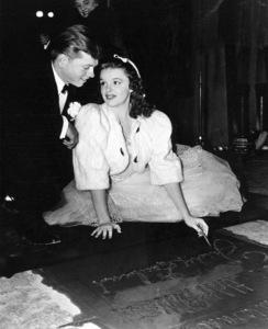 Mickey Rooney, Judy GarlandChinese Mann Theater, 1939**I.V. - Image 0733_2111