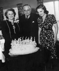 Judy Garland with mother Ethel Gumm and L.B. Morgancirca 1943**I.V. - Image 0733_2112