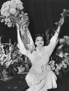 Judy Garland, at the Palace Theatre in New York1951** I.V. - Image 0733_2179