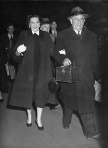 Judy Garland arriving in London to appear at the London Palladium1951**I.V. - Image 0733_2195