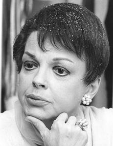 Judy Garland at Palace Theatre opening night 10/56** I.V. - Image 0733_2203