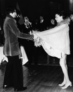 Judy Garland and Mickey Deans dancing at their wedding in London1969** I.V. - Image 0733_2248