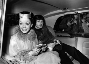 Judy Garland and Mickey Deans leaving for their wedding reception after their marriage in Chelsea 1969** I.V. - Image 0733_2257